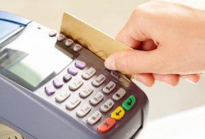 Возврат товара оплаченного банковской картой — порядок действий
