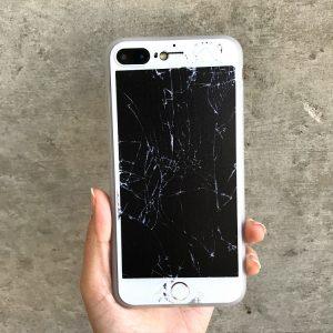 Можно ли вернуть неисправный телефон в магазин